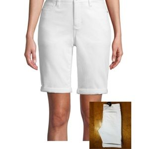 St John's bay white denim shorts-sz 6
